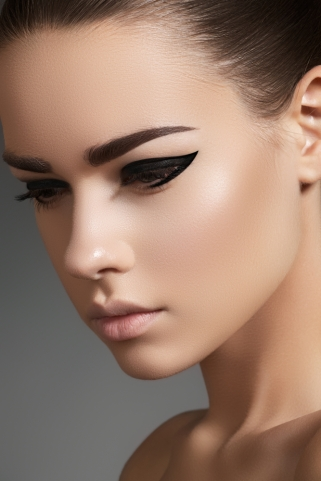 motives eyeliner