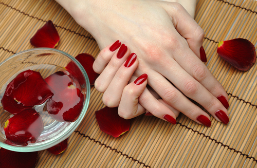 The-Ultimate-Spa-Manicure-Treatment1